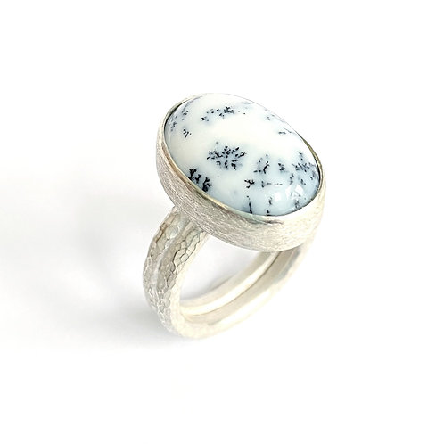 Dendritic agate ring, side view, product shot