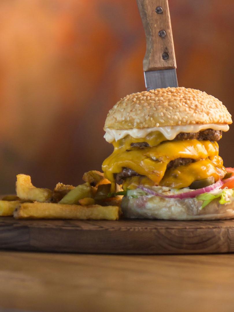 windmills-beef-burger.jpg