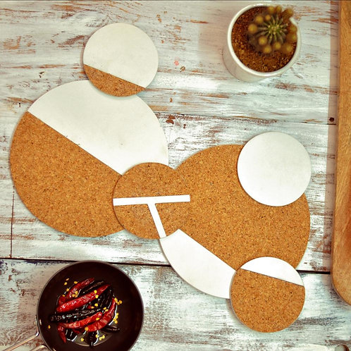 Round cork trivets with round coasters