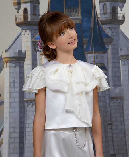 LIGHT SILK BLOUSE WITH AN ORGANZA BOW