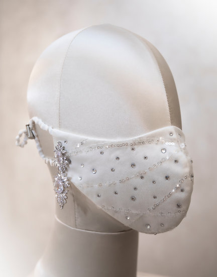 DELICATE WHITE FACE COVERING / COUTURE MASK