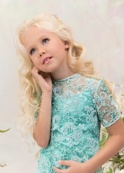 LACE BLOUSE WITH A LONG TRAIN