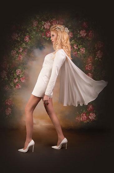 EXQUISITE WHITE MINI DRESS WITH A CAPE