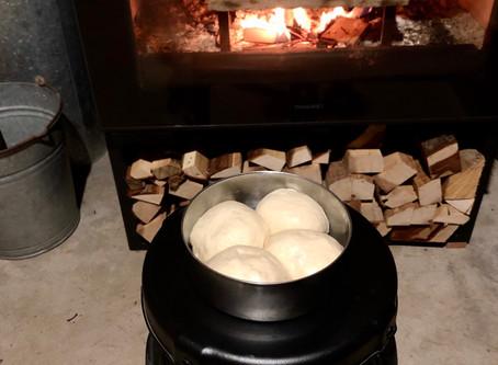 薪ストーブがオーブン