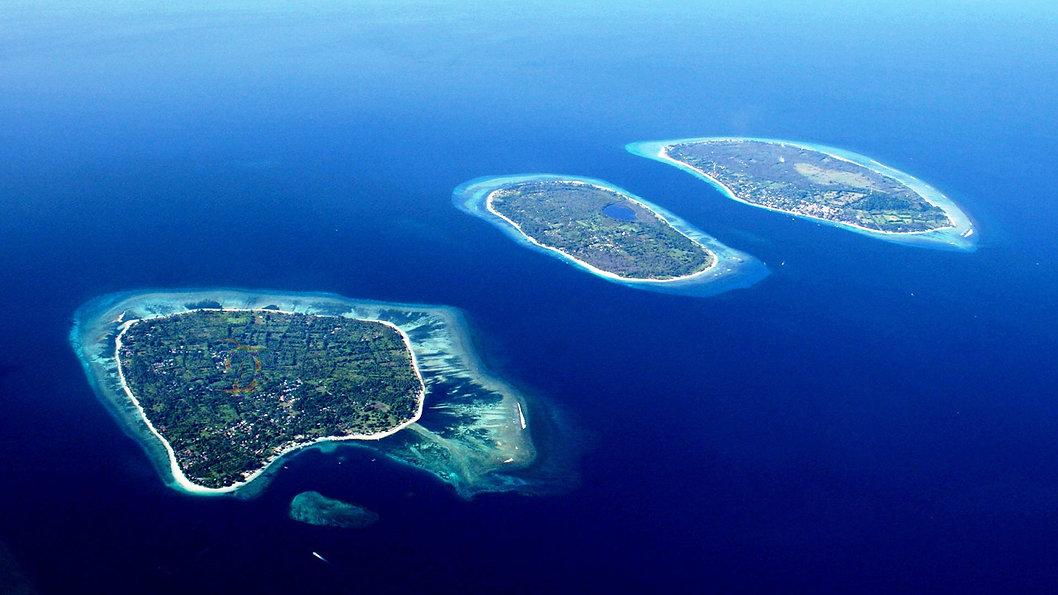 Lombok Senggigi Hotel tours to Mr. Rinfani, scuba diving, surfing, trawangan island, Sekotong Bay Gili islands and waterfalls