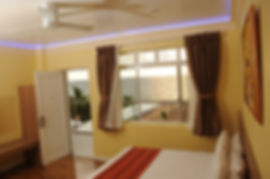 Awesome Hotel aircon rooms with pool, sea or mountain views