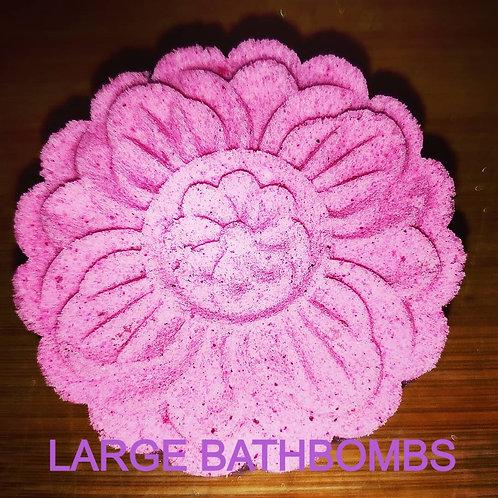 Large mooncake shaped bathbombs