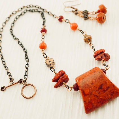 Coral & Spice Necklace