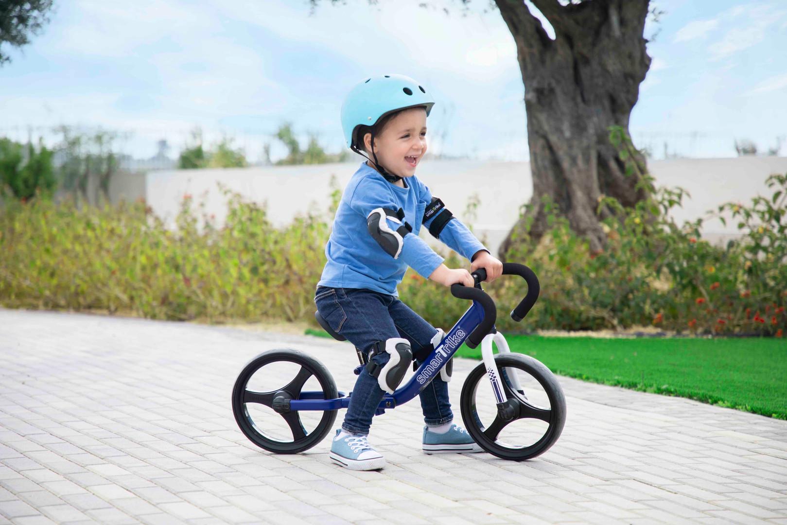 1030800_folding balance bike_Blue_lifest