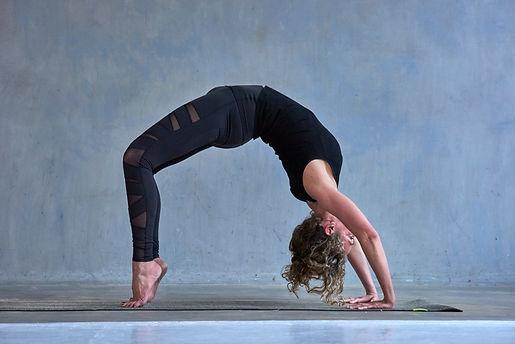 De Yogashool Utrecht: yoga in kleine groepen
