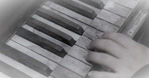 piano-hand - Copy.jpg