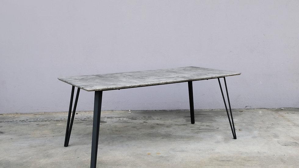 Mino Classic Table