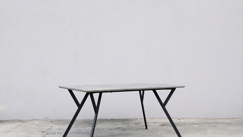 Mino Polo Table