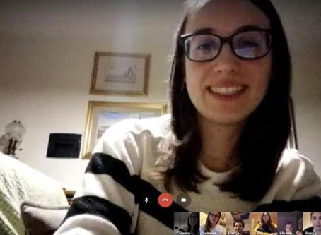 Jovens rezam o Terço em comunidade virtual