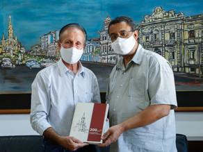 """200 anos + de Matriz à Catedral de Uberaba"""