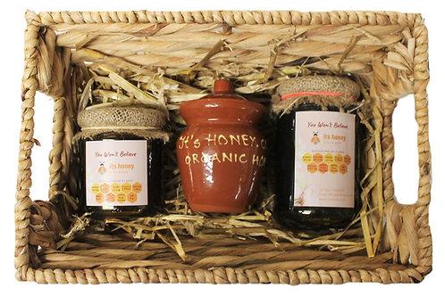 Honey in a basket (GIFT HAMPER SET)