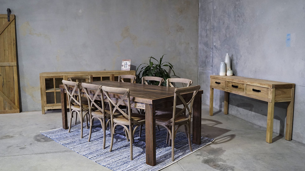 Bargo Dining Table