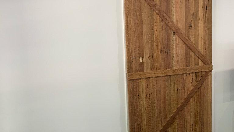 standard single barn door