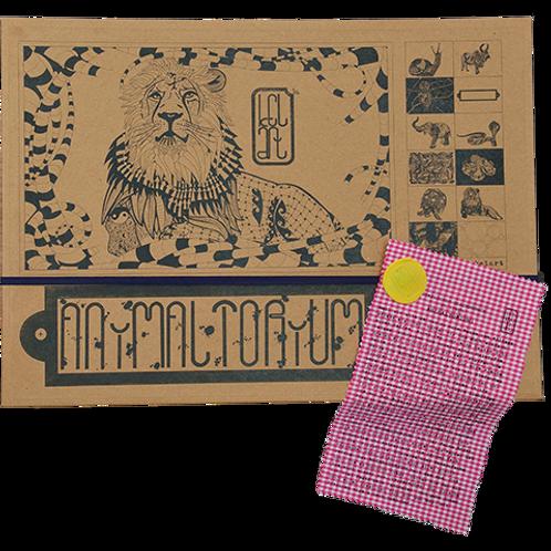"""Animaltorium, Ausmalbuch, """"John"""", Verpackung Dunkelblau/Gelb/Pink"""