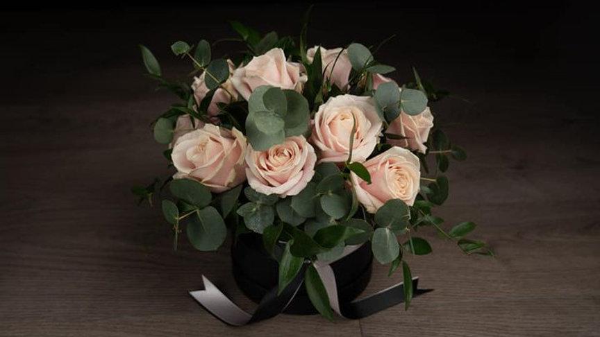 Elegant Pink Rose Hat Box