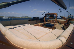 RELAX ON DECK WITH YOUR FAMILY