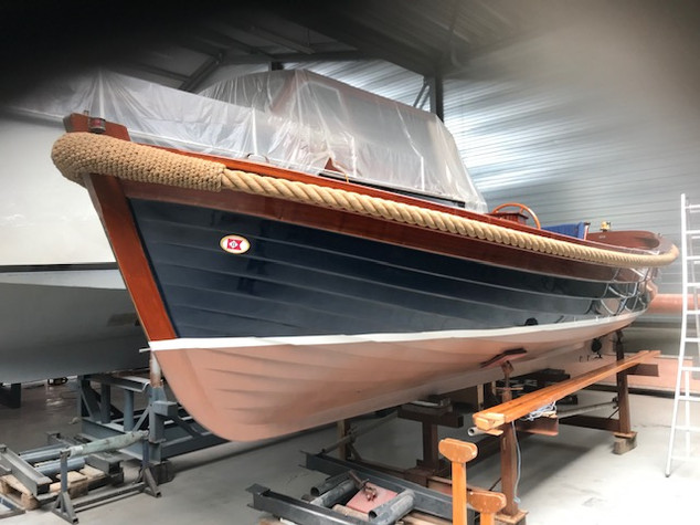 Breedendam   2000     Specifications of the:      Yard:               Type:  Designer:              Year:              Vlag:   Hull:             Measurements:  Length overall:           Beam:               Depth:               Displacement:                     Motor:  Propulsion  Clutch:              Bilge-pump:               Toilet  Refridigerator:             Covers:                    Disclaimer:            7F143001-7D00-37BA-5B04-7AD90D3192FA.jpg_850  Nijverheidsweg 28, 3251 LP  Stellendam, the Netherlands     SEND  Name: Phone: E-mail:  Breedendam 200 Sloep  Breedendam Yachts  2000-Sloep  Burkom  1999  the Netherlands  GRP     7,25 mtr. (23,8 ft.)  2,60 mtr. (8,5 ft.)  0,65 mtr. (2,1 ft.)  2.000 Kg (4,409 lbs)     Inboard Vetus - Mitsubishi (25 Pk - 18 Kw)  Water lubricated shaft with Flexible CV joint with thrust bearing in propeller shaft  Hydraulic ZF Hurth, type 25  Electric- and manual  1  1     Winter en summer-tent   Cockpit-cover