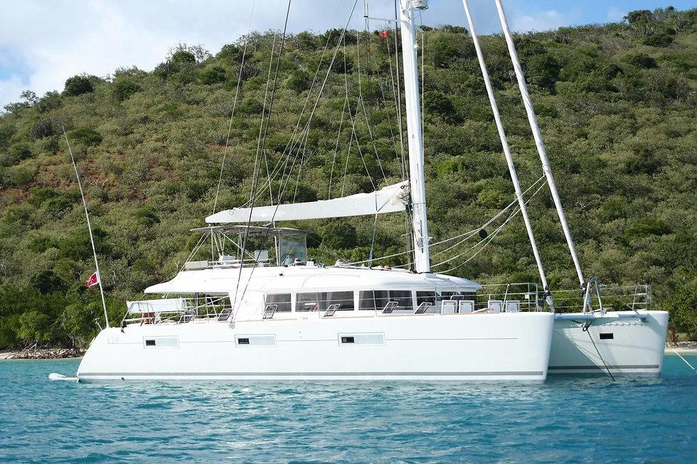 Lagoon 620 Catamaran (sistership) 4.jpg