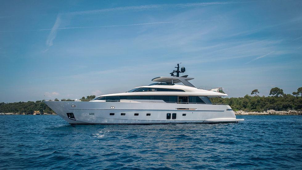 2017-Sanlorenzo-Yacht-Charter-Sabbatical
