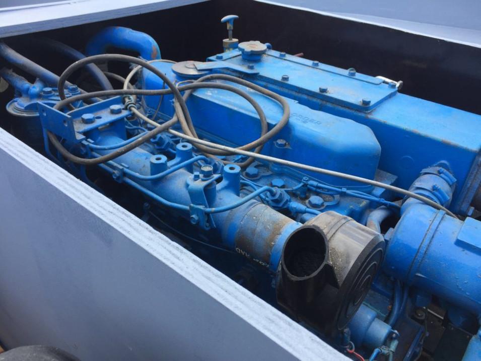 Reddingssloep met 80pk Diesel en Kajuit | sloependiscounter
