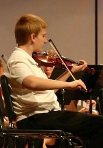 Ryan_playing_Violin_(2496285635)