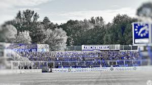 Jena Ultras im Block N mit Spruchband zu Stadionverboten