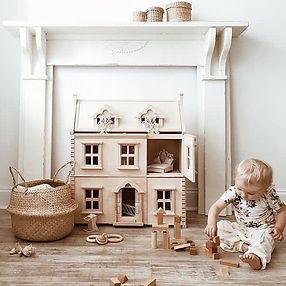 Plan-Toys-Victorian-Dolls-House-1.jpg