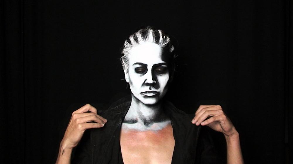 VestAndPage, Verena Stenke, Performance, Film, Plantain