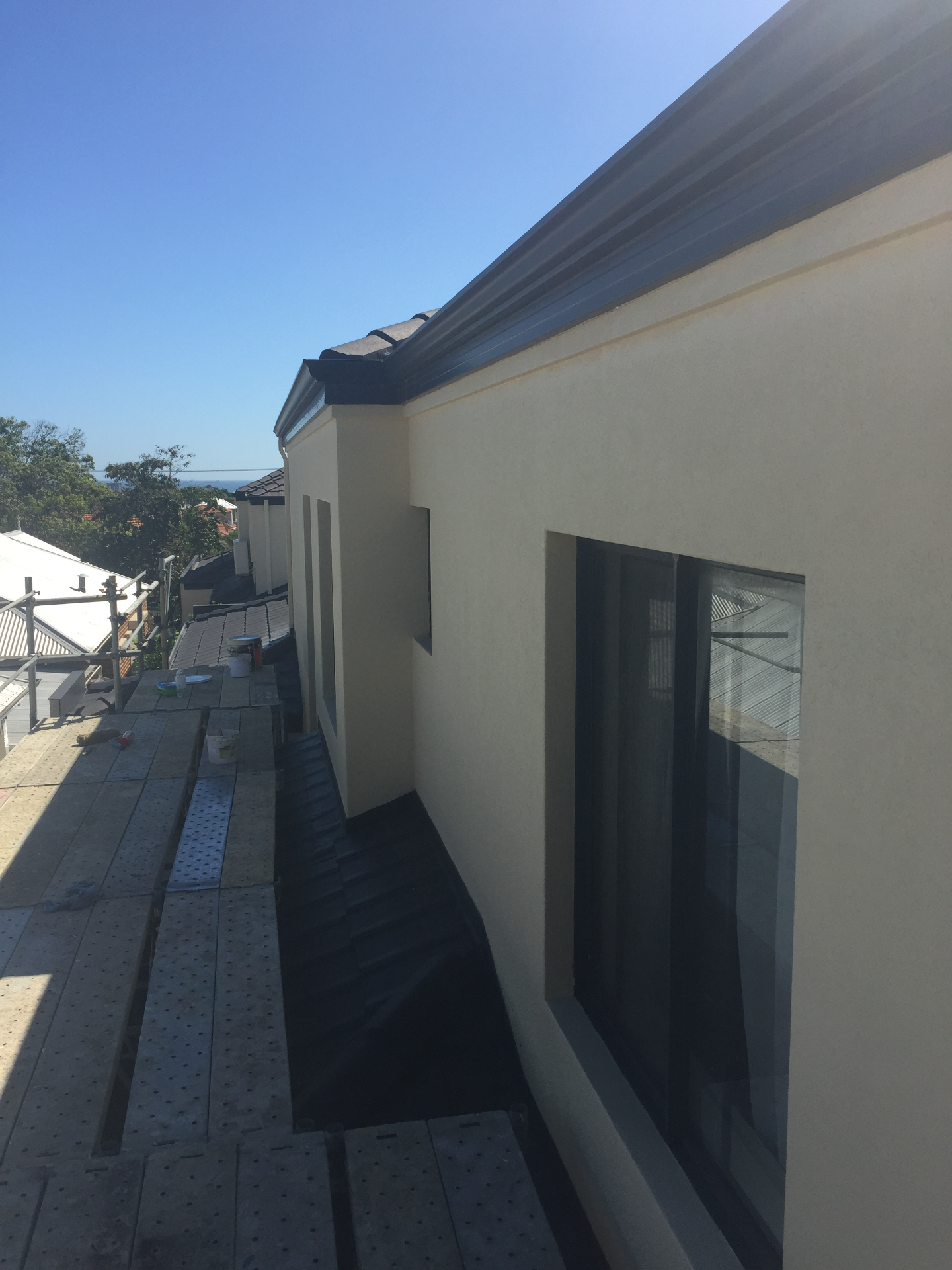 Doubleview home - Finished render wall