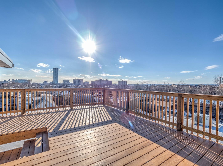 APT 3 Balcony Deck