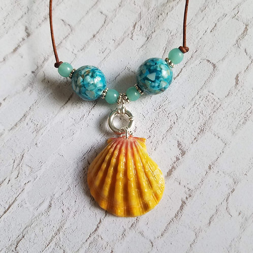 Hawaiian Sunrise Shell Necklace - Mother of Pearl Ocean
