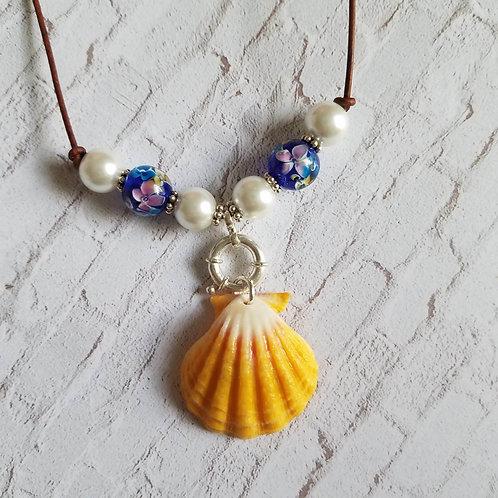 Hawaiian Sunrise Shell Necklace - Royal Tea