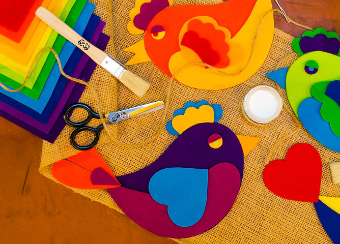 Colorful Felt Friends art box premium materials with bird shapes made of 100% merino wool felt for color theory art kit