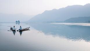 ©Philip_Lee_Harvey_Kashmir-boats.jpg