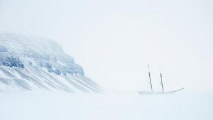 ©Philip_Lee_HarveyShip-in-Ice.jpg