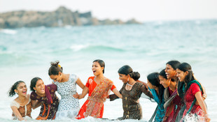 Beach-Girls_india2.jpg