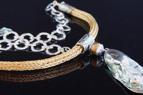Golden Mussel Necklace
