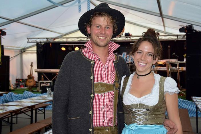 Die Meiringer Yves Müller und Celina Simen wissen, wie es läuft. Drei Jahre lebte Simen in München und besucht seit über zehn Jahren die «echte Wiesn».