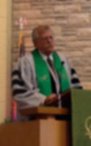Rev-Dr-Mark-Yurs-preaching-sm.jpg
