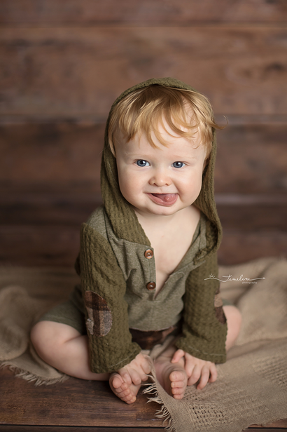 Timeline Photography 6 month sitter sessions
