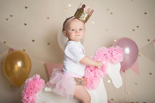 Newborn, infant, baby photographer serving Powdersville, Easley, Pickens, Clemson and Greenville, South Carolina