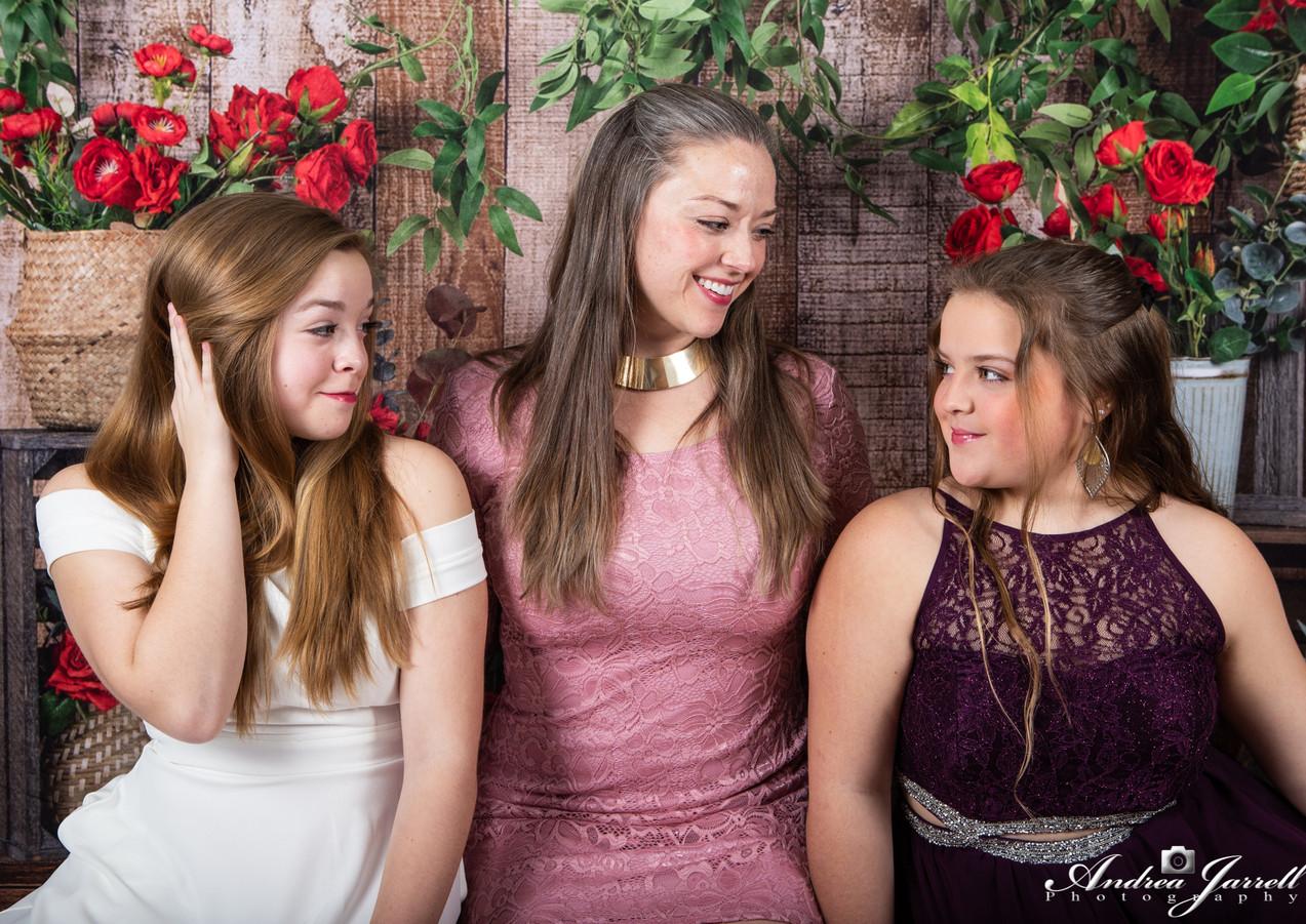 Heather, Savannah and Brianna Horne