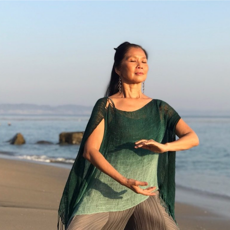 Wai Ching Lee - Qigong and Healing