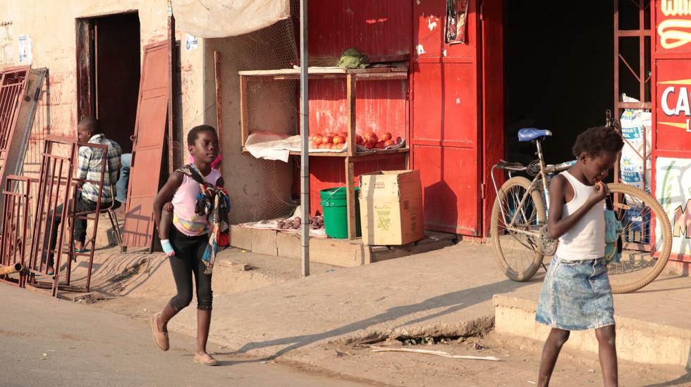 Kids on the street in Bauleni