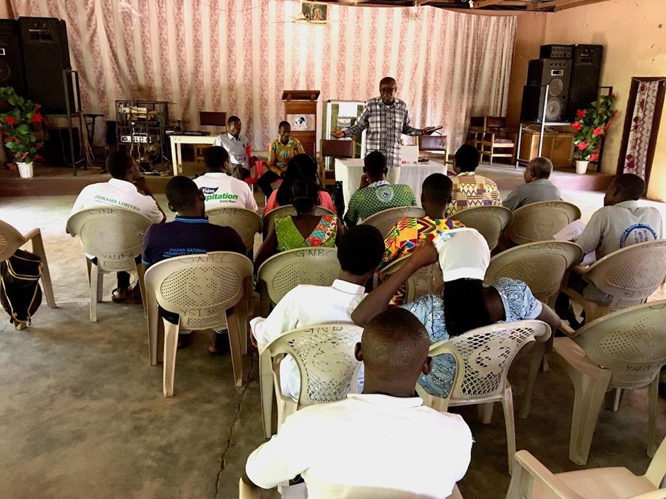 Now it's Stephen Aputara's turn. — in Sandema Balansa, Upper East, Ghana.